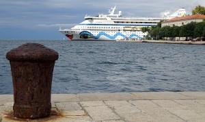 cruise-ship-507100_960_720